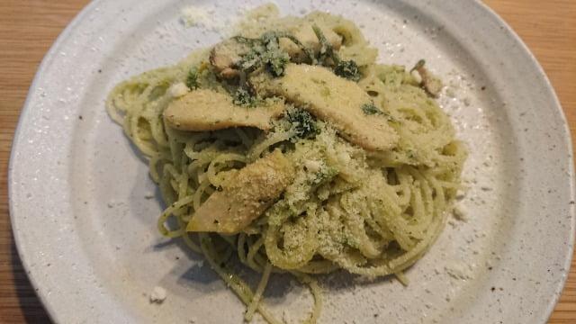 クレソンとエリンギを加えたスパゲティジェノベーゼ