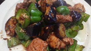 厚切り豚もも茄子ピーマンのトウチ黒胡椒炒め