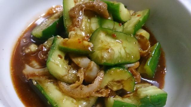 野郎飯流・たたききゅうりとホタテ貝ヒモのピリ辛和え物