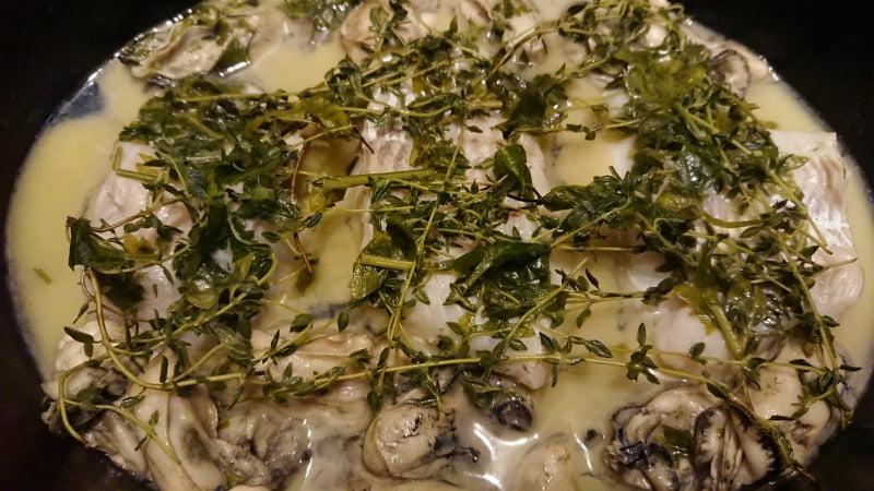 白身魚と牡蠣のワイン蒸し